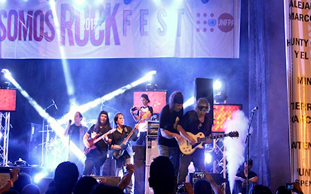 Khaos play Roleando en circunvalación, from the album forjado en rocka.